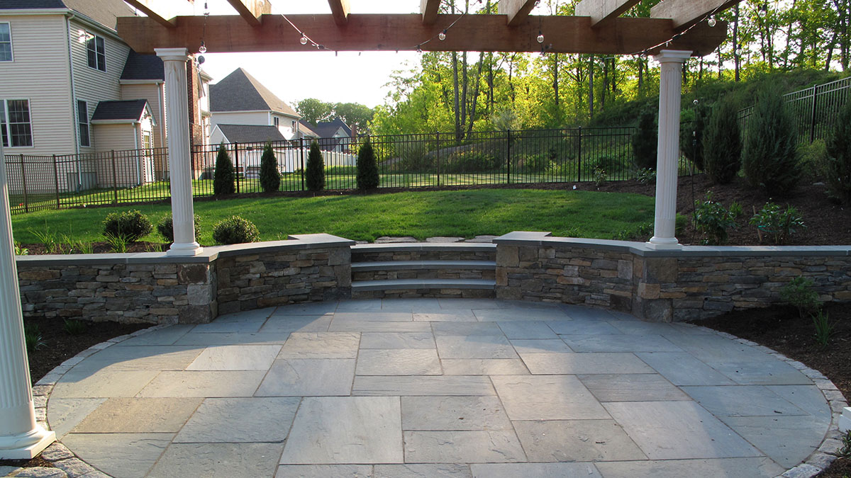 New England Fieldstone, Bluestone Cap, Radius Cuts