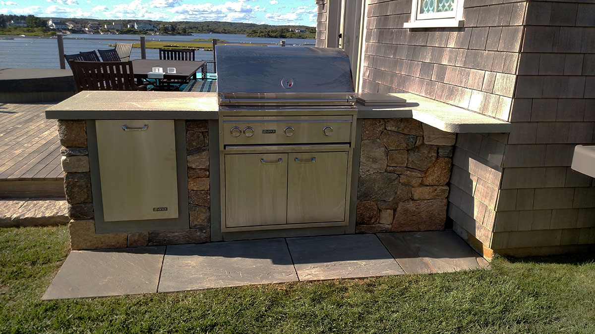 A Simple Outdoor Kitchen